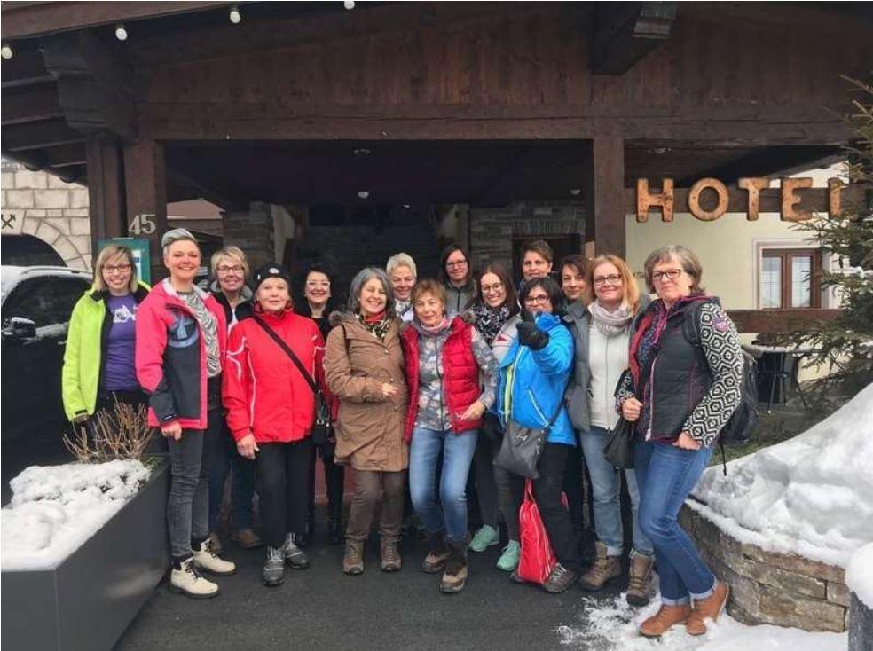 http://skiclub-durmersheim.de/wp-content/uploads/2018/02/frauenfreiezeit_18.JPG?_t=1522600515